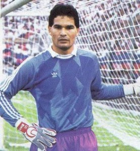 Source: http://en.wikipedia.org/wiki/Jos%C3%A9_Luis_Chilavert#/media/File:Chilavert_sanlorenzo.jpg